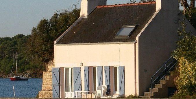 Petite maison au bord de la mer