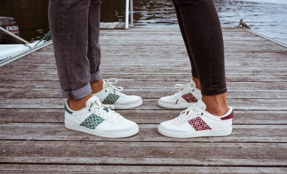 Deux paires de sneakers