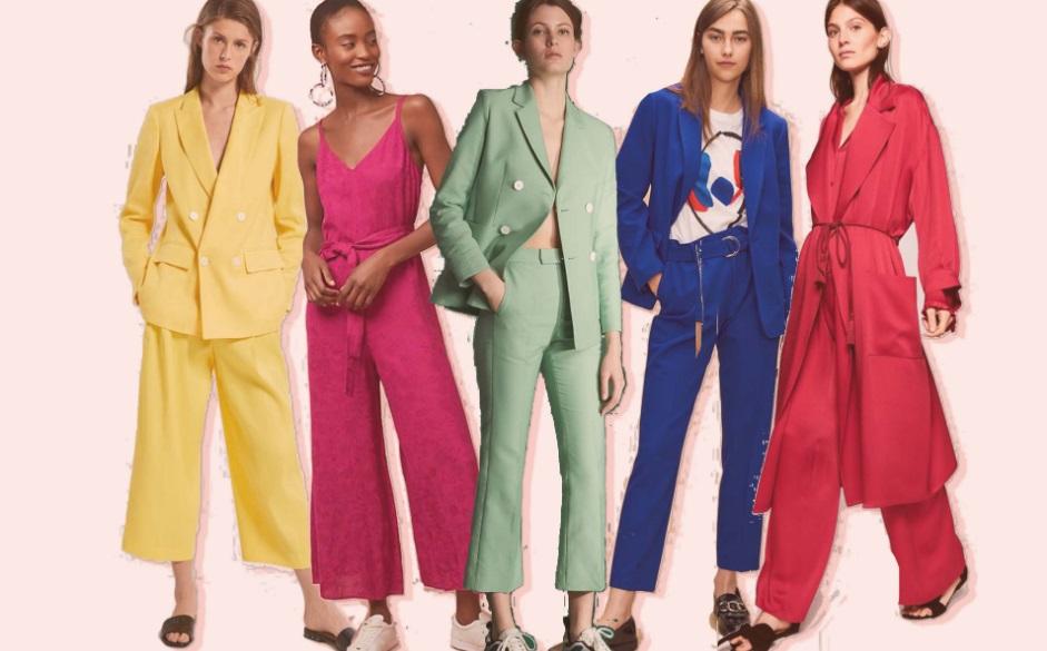 Femme avec vêtements colorés