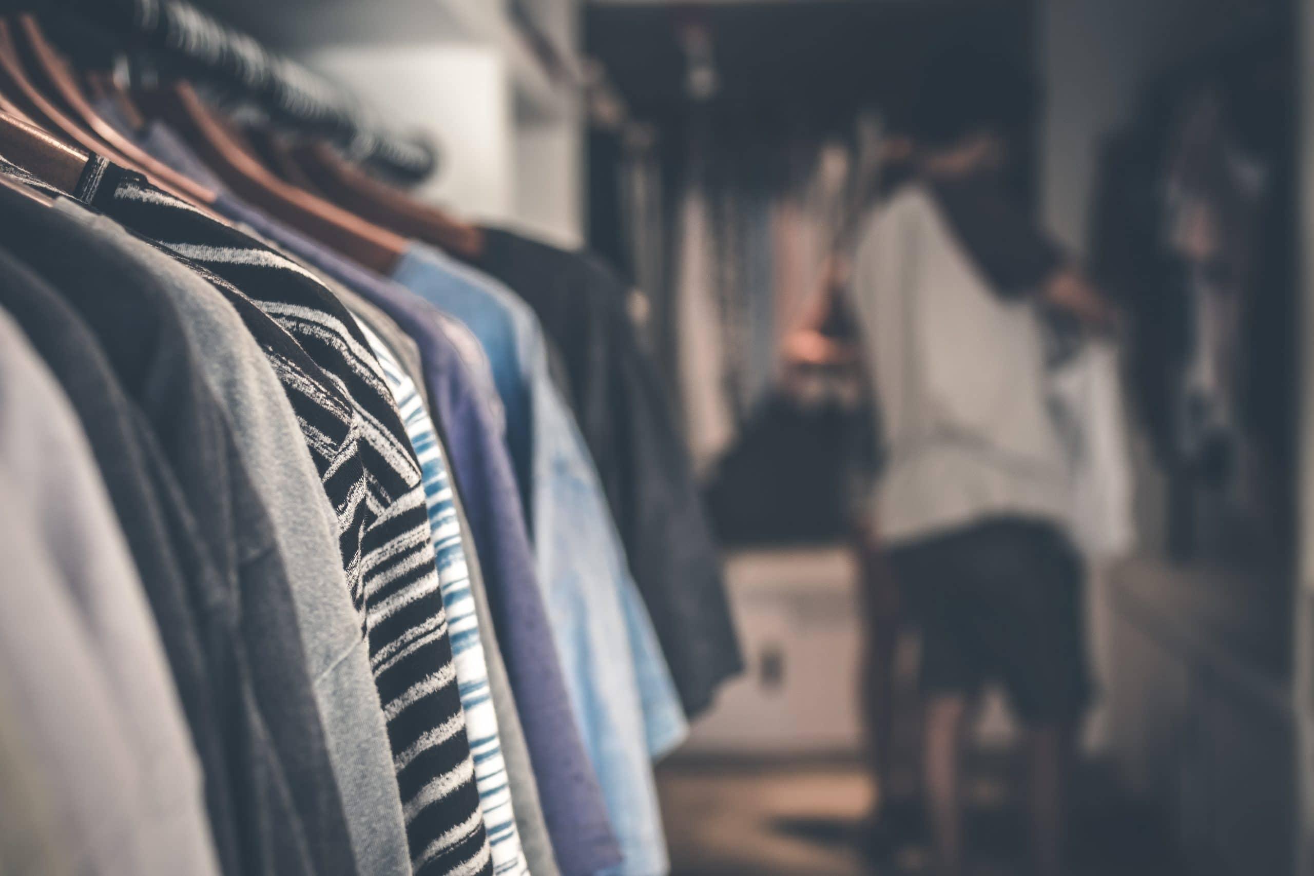 Offrir un tee-shirt à son copain : comment bien le choisir ?