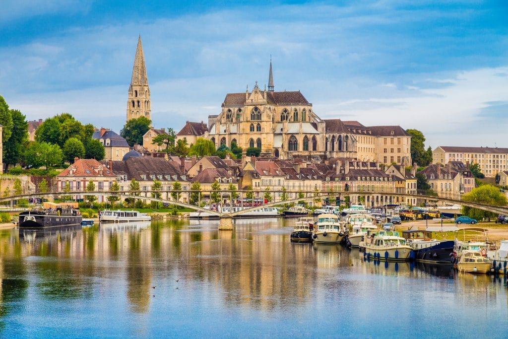 Visiter L'abbaye Saint-Germain et le musée d'Art et d'Histoire