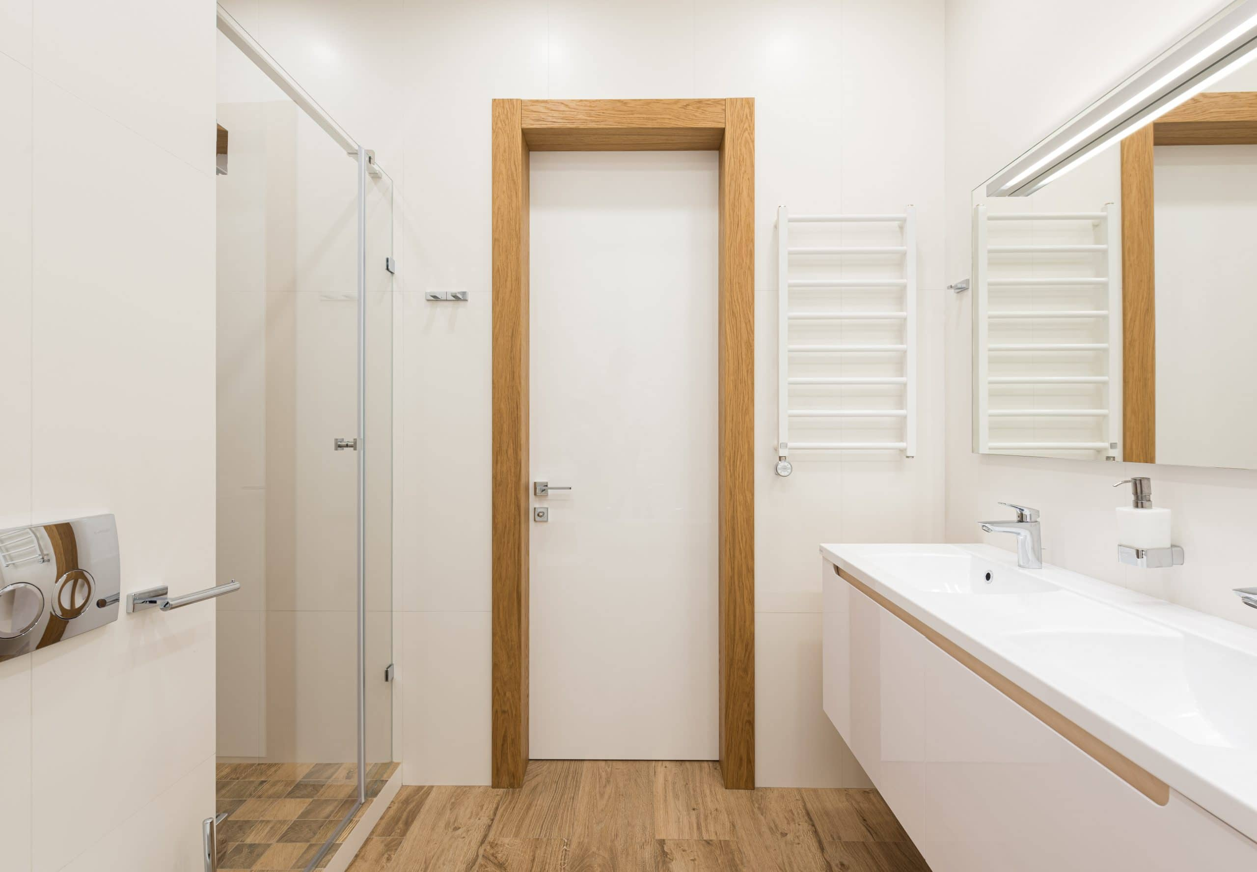 Peut-on poser du parquet dans la salle de bain ?