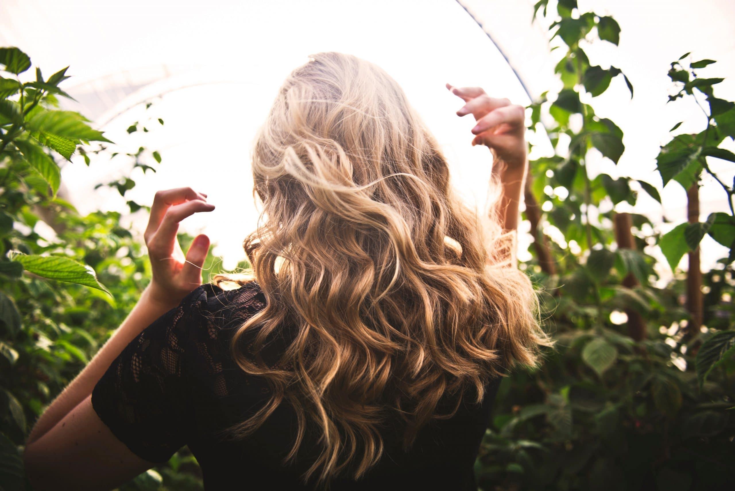 Comment boucler ses cheveux avec un boucleur ?